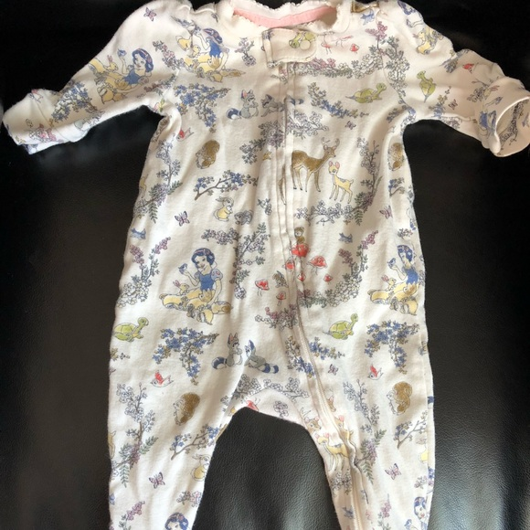 8784dc91f0d5 GAP Other - Gal baby girl Disney snow white footie 0-3 month